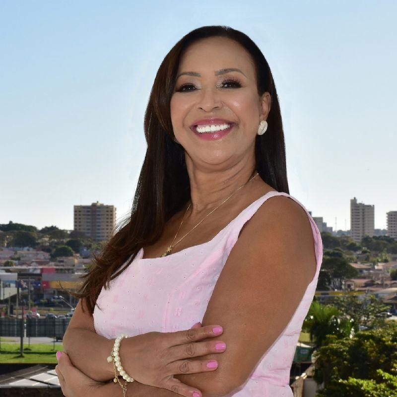 Professora Anete é a primeira mulher eleita a vice-prefeita em Araras