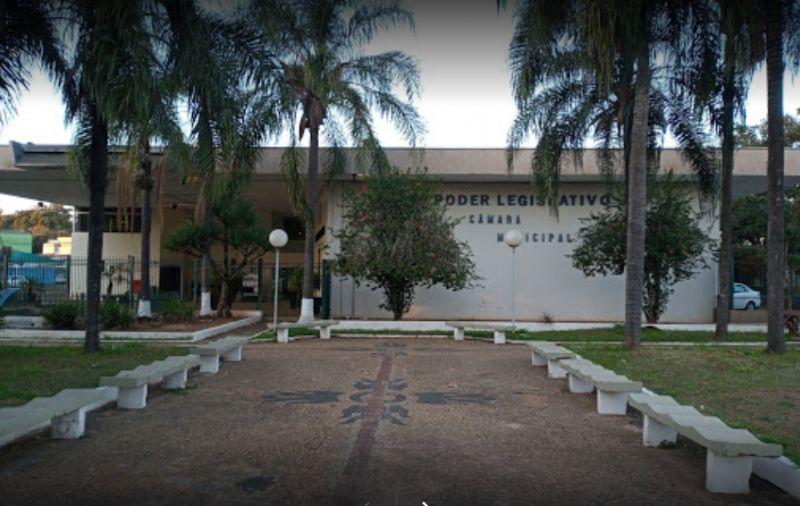 Prédio da Câmara Municipal passa a pertencer ao município
