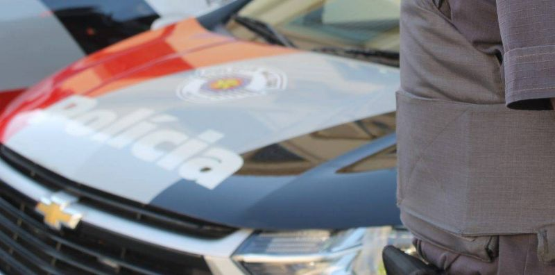 Polícia Militar encontra buraco usado para guardar drogas no bairro São João