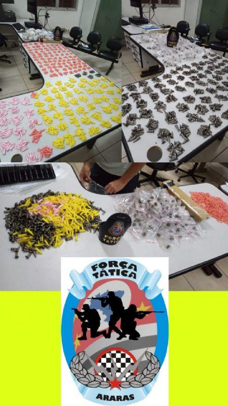 Polícia Militar de Araras faz grande apreensão de drogas no bairro São João