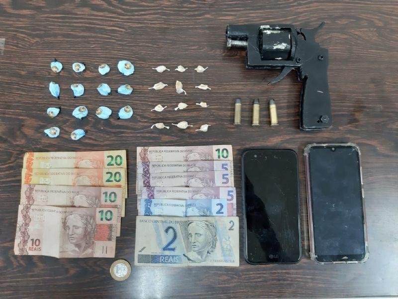 Polícia Militar de Araras apreende arma de fogo artesanal; munições e drogas com menor de 16 anos